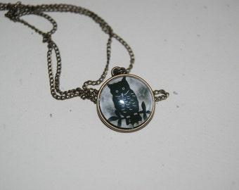Antiqued  Gold  Metal  Glass Black Owl  Necklace