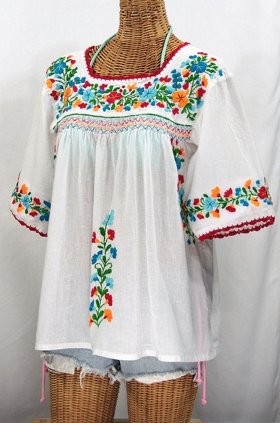 Mexican peasant blouse top hand embroidered la