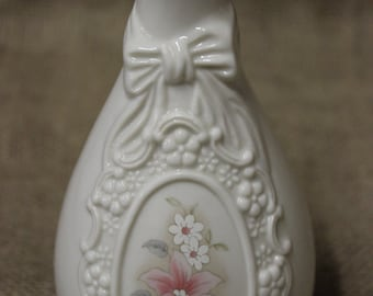 Vintage The Cameo Ribbon Vase Royal Heritage Collection Rose Decorated Vase