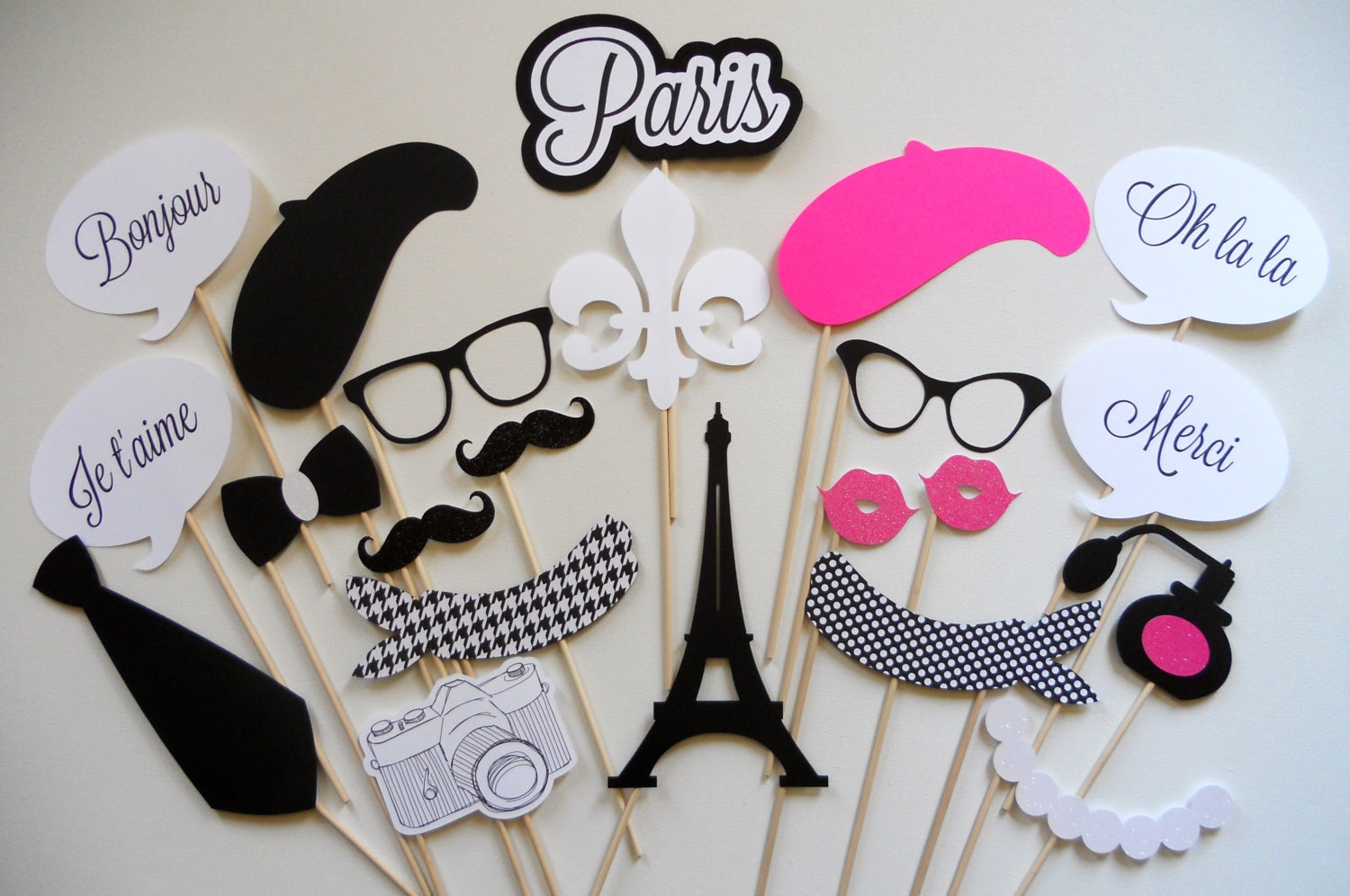 Populaire Paris Photo Booth Props . Parisian Photo Booth Props . Photo MV51