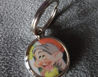 """Vintage 1978 Snow White and the Seven Dwarfs """"Dopey""""  Zipper Pull Purse Charm"""