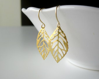 Delicate gold leaves earrings- Elegant dangle earrings- Dainty jewelry