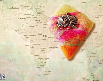 India brooch, indian elephant, elephant brooch, felted brooch, ethno style, good luck brooch, pink and orange, cheerful colours
