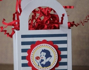 12x Snow White Favor Boxes