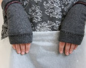 Merino Wool Fingerless Gloves / Upcycled Mittens / Charcoal Grey Slate Gray / 100% Recycled / Wristwarmers Armwarmers Eco friendly Mitts