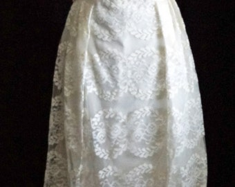 1950s Womens Ivory Lace Wedding Dress Sz 6 Vintage Retro