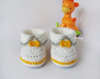 White Grey yellow crochet baby booties, baby girl and boy booties, shoes with yellow bow for him and her