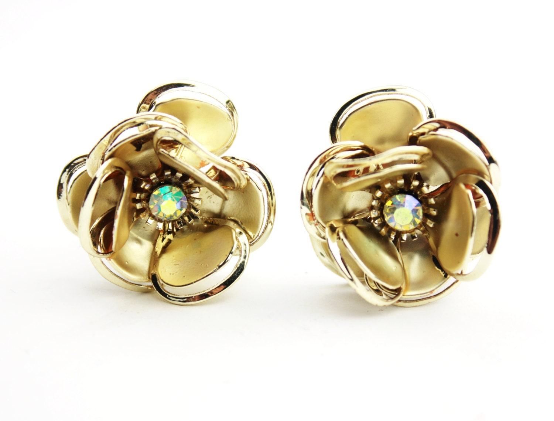 gold and rhinestone flower earrings clip on backs b3