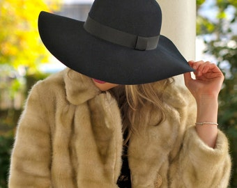 70's Luxe Navy floppy hat in 100 percent wool felt