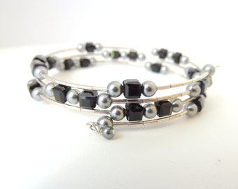 Black and Grey Memory Wire Bracelet, Memory Wire Bracelet, Crystal Memory Wire Bracelet, Fashion Jewelry, Accessories. Item 176