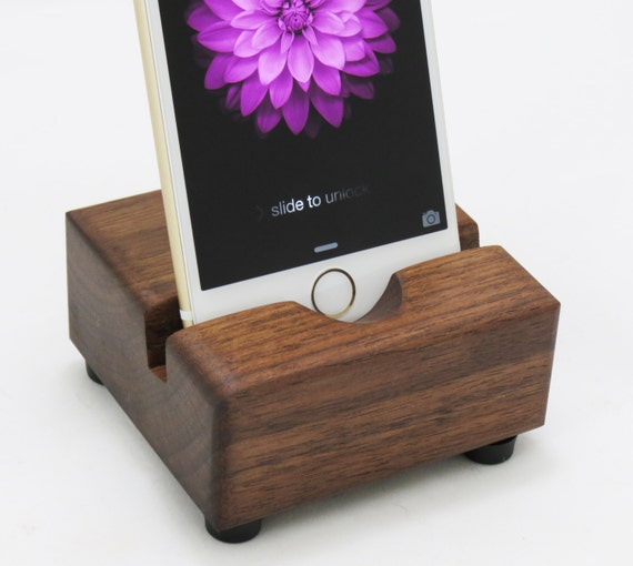 iPhone 6 / 6s Docking Station - Walnut iPhone Stand