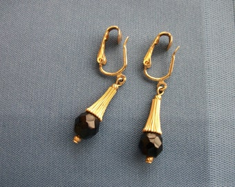 Vintage Sarah Coventry Gold-Tone / Black Faceted Bead / Drop / Clip-On / Earrings / Gift / Collectible / Mom / Designer / Friend / Boss