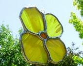 Stained Glass Suncatcher Yellow Flower Sun Catcher Gift for Mom Garden Decoration Housewarming Window Ornament Home Decor Glass Art