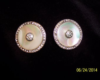 Costume Mother of Pearl Clip On Earrings #199