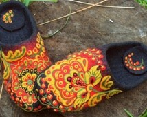 """Felted House Shoes, Home Slippers """"Russian flower"""" , 100% wool"""