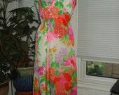 1970s Vintage Floral Hawaiian Maxi Dress by Malia of Honolulu Size L