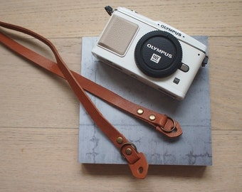 Classic Vintage Style Leather Camera Strap for 4/3 cameras