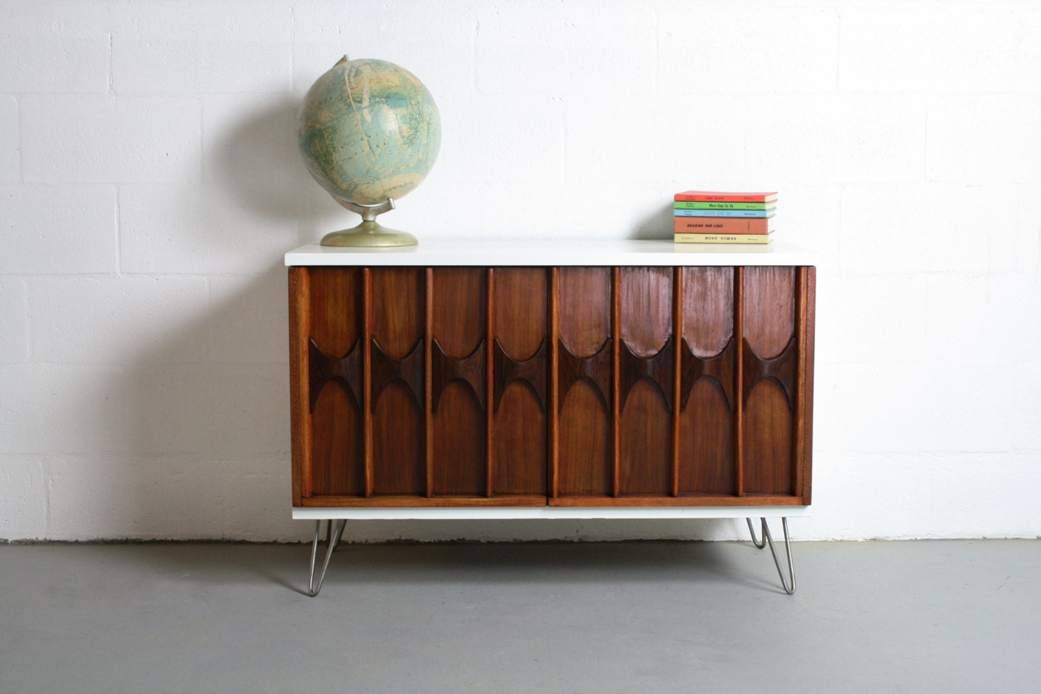 mid century modern inspired sideboard buffet bar credenza. Black Bedroom Furniture Sets. Home Design Ideas