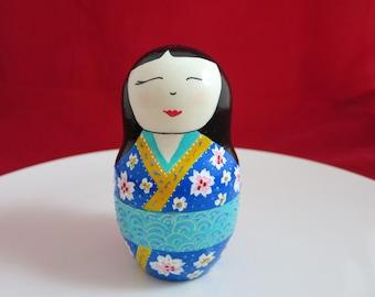 Nesting doll, Japanese nesting doll, Kokeshi nesting doll, Wooden doll, hand painted doll, Christmas Gift
