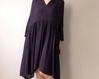 Flowy V-neck cotton gauze dress {Navy Blue}
