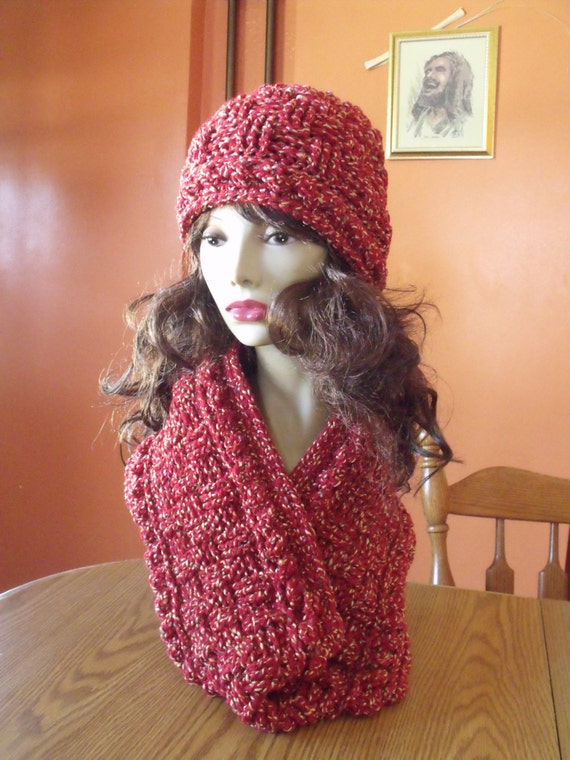 Crochet Pattern Hat Scarf Combo : Warm and Stylish Womens Crochet Hat and Scarf Combo