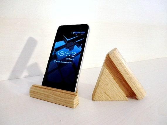 Porta cellulare da tavolo supporto iphone in legno di for Portacellulare da tavolo fai da te