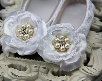Lace white Baby girl Shoes ,Baby Shoes,Baby Girl crib shoes, Christening, Baptism Wedding,Ready to ship todder shoes,white flower girl shoes