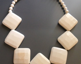 Faceted White Agate Necklace: Agate - Round Beads - Gemstone Necklace - Statement Necklace - Diamond Facet