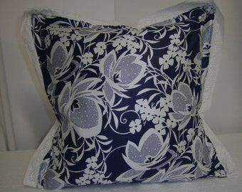 Blue and white pillow with lace, cotton, reißer, fill pillows, romantic, maritim by himmeldurchnadeloehr