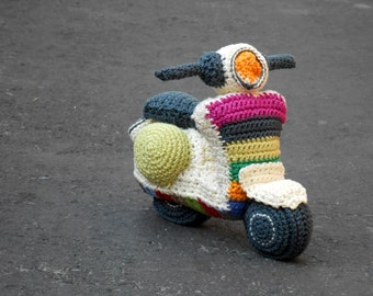 Patron Amigurumi Car : Patron amigurumi furgoneta surfer. Por Caloca Crochet.