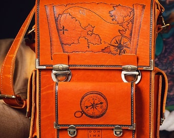 Men's vintage handmade messenger bag, leather, laptop Macbook, pyrographied Pirates 1