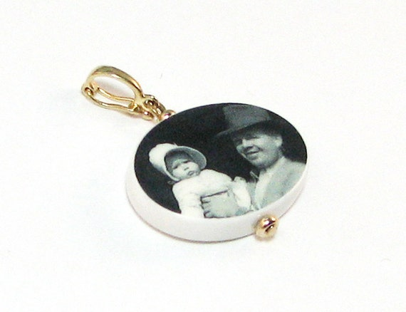 Oval Photo Pendant - 14K Gold Edition - Medium - P10G
