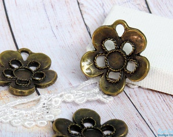 Small Brass , antique gold bronze flower pendant blank setting for 6 mm cab & flat back rhinestone , Boho oxidized rustic antique finish