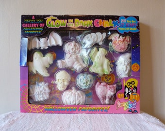 Rare LISA FRANK Halloween Glow in the Dark Chalk Set Neon 90's