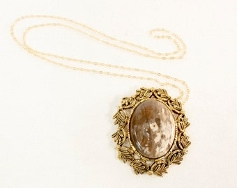 Vintage Victorian Revival White and Tan / Taupe Agate Semi-Precious Stone Pendant with Gold Leaf Surround
