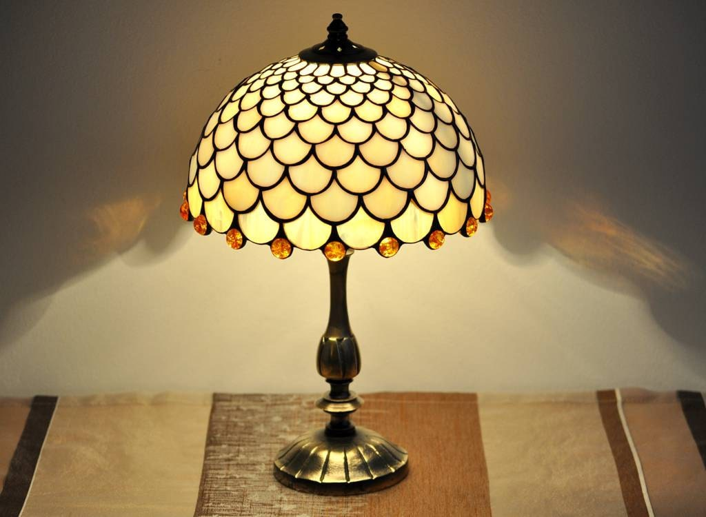 Stained Glass Lamp Shades For Table Lamps : Fish scale table lamp stained glas shade
