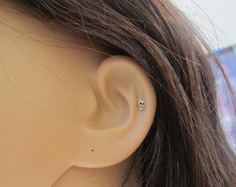 Sterling Silver 3mm skull cartilage earring, tiny skull stud earring, comfortable cartilage earring,Tragus stud, nose stud, nose pin.