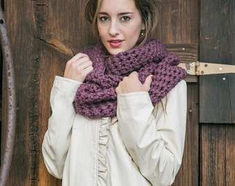 Wool Circle Scarf // Knit Scarf // Chunky Infinity Scarf // Cowl Scarf // THE ELOISE in Fig