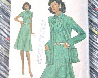 1970s Vogue Vintage 9118 Sewing Dress Pattern Very Easy Vogue  Bust 36 Inches