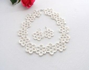 Crochet White Linen Necklace, Bracelet and Earrings Set - Daisies