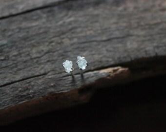 raw aquamarine earrings,aquamarine stud earrings,light blue,raw crystal earrings,sterling silver raw gemstone earrings,minimal earrings,tiny