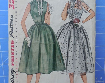 Simplicity 3887 - Beautiful 1950s Dress, Full Skirt - Size 14 (Bust 32) - Fantastic! - Rockabilly - Party Dress - Grease - Fit & Flare