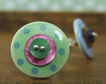 Ceramic and shell button ring