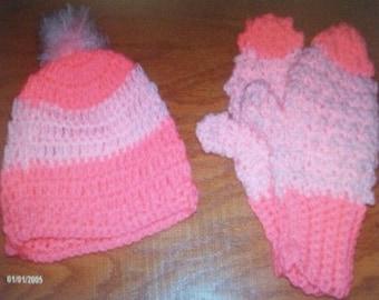 Crocheted hat & mittens