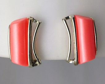 Vintage 1960s Salmon Pearlescent Lucite Clip Earrings