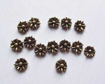 Gold daisy vintage cabochons