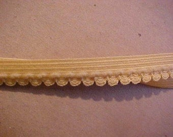 FOLDOVER Elastic 5/8 inch Wheat Gold Yellow Swag Scallop FOLDOVER Elastic 5 yds.