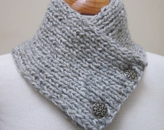 Light Grey Chunky Knit Button Scarflette