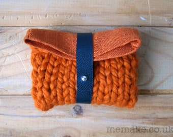 Small knit purse orange linen navy blue leather fold over chunky knit pouch memake handmade fashion
