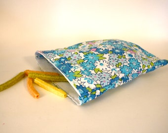 Eco Friendly Sandwich Bag made with recycled fabric.